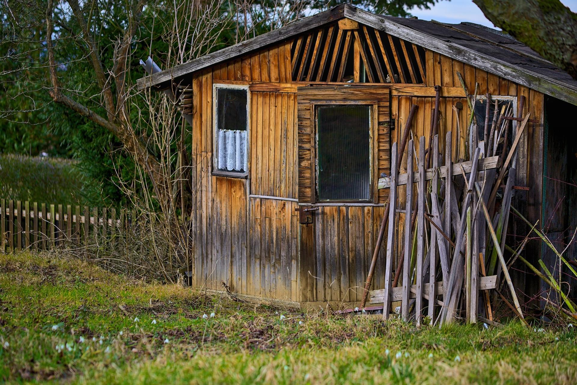 Construire Abri De Jardin construire un abri de jardin | conseils et mise en place